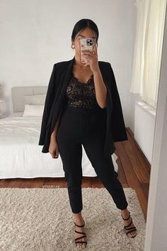 First Date Outfit Casual, Night Out Outfit Classy, Date Night Outfit Curvy, Winter Date Night Outfits, First Date Outfits, Girls Night Out Outfits, Date Outfit Summer, Classy Outfits, Black Jeans Outfit Summer