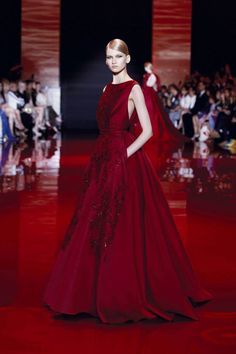 10 Times Elie Saab Proved that You Should Wear Red for Your Ting Hun   http://brideandbreakfast.ph/2016/02/08/red-ting-hun/