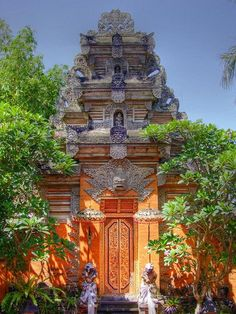Ubud Palace Gate - Ubud, Bali, Indonesia