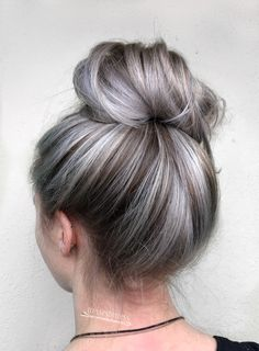 21 Platinum Hair Looks To Appear Super Hot - Hair - Hair Blonde Hair Shades, Platinum Blonde Hair, Silver Platinum Hair, Blonde To Grey Hair, Pastel Hair, Grey Hair Foils, Gray Silver Hair, Silver Hair Colors, Blue Hair