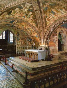 Assisi, Basilica di San Francesco, linkes Querschiff der Unterkirche (Basilica of St. Francis, left transept of the Lower Church)  #TuscanyAgriturismoGiratola