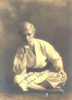 Sarah Mayer, First Non-Japanese Female Judo Black Belt. 1935