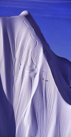This will be me someday. To be able to accelerate down steep mountain inclines with impeccable speed. #snowboarding