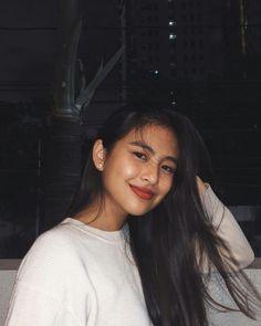 Selfies, Selfie Poses, Gabbi Garcia Instagram, Gabi Garcia, Filipina Girls, Teen Girl Photography, Filipina Beauty, Best Friend Photos, Local Girls