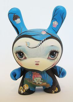 "8"" Dunny 'Cupcake' by 64Colors"