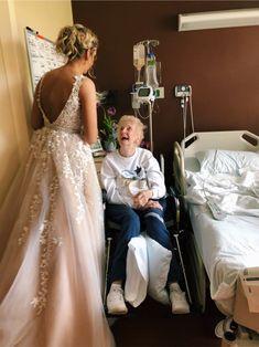 Cute wedding photo with grandma Cute Relationship Goals, Cute Relationships, Prom Pictures, Cute Pictures, Cute Stories, Happy Vibes, Thing 1, Prom Dresses, Wedding Dresses