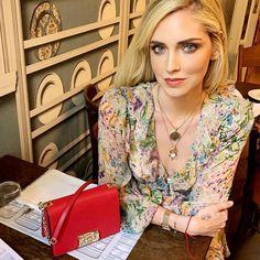 Results for Chiara Ferragni The Blonde Salad, Cute Celebrities, Famous Women, Furla, Beauty Women, Fashion Models, Fashion Photography, Fashion Dresses, Fashion Looks