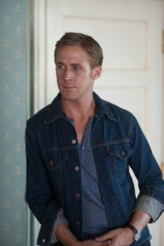 Menswear-Denim-Jacket-Ryan-Gosling-Drive.jpg (931×1400)
