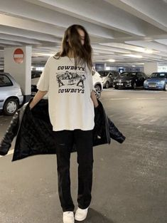 how to style outfits Style Outfits, Mode Outfits, Trendy Outfits, Summer Outfits, Fashion Outfits, Fall Outfits, Fashion Hacks, Grunge Outfits, Fashion Tips