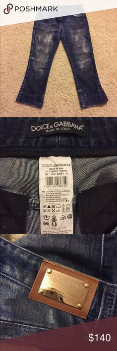 Dolce&Gabbana denim distressed crop breeches New condition ,38 italian size like 26 size. Made in Italy.98%cotton,2% lycra Dolce & Gabbana Jeans