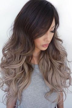 loose curls hairstyle with ombre color