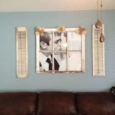 Old window :: wedding Picture Frames, Picture Ideas, Photo Ideas, Old Window Screens, Wall Decor Pictures, Old Windows, Old Doors, Craft Business, Crafts To Do