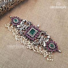 Indian Jewelry Sets, Silver Jewellery Indian, Gold Jewellery Design, Silver Jewelry, Bridal Jewellery, High Jewelry, Rajputi Jewellery, Silver Necklaces, Silver Earrings