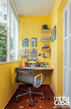 Home office decor ideas that will amazing inspirations 23 ⋆ Main Dekor Network Tiny Home Office, Mini Office, Home Office Design, Home Office Decor, Unique Home Decor, Home Work, Creative Decor, Office Ideas, Home Office Na Varanda