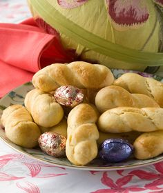 400 γρ. αλεύρι για όλες τις χρήσεις ½ κ.γ.μπέικιν πάουντερ 80 γρ. βούτυρο αγελάδας, σε θερμοκρασία δωματίου 120 γρ. ζάχαρη άχνη 1 πρέζα αλάτι 75 γρ. φρέσκο γάλα, πλήρες 2 αυγά + 1 επιπλέονγια άλειμμα Summer Cookies, Baby Cookies, Easter Cookies, Heart Cookies, Valentine Cookies, Birthday Cookies, Christmas Cookies, Greek Sweets, Greek Desserts