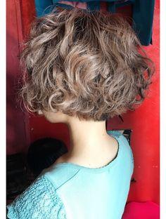 クルーラー ショート:L005329223|阿佐ヶ谷サンサンヨンキュー(3349)のヘアカタログ|ホットペッパービューティー Asian Short Hair, Short Brown Hair, Short Hair With Layers, Short Curly Hair, Wavy Hair, Curly Hair Styles, Bright Hair, Pastel Hair, Cut My Hair