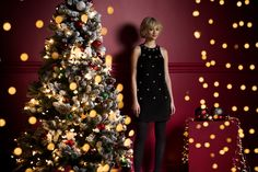Savida is a fashion brand for women exclusively for Dunnes Stores, available online today. Christmas 2015, Christmas Tree, Fashion Brand, Womens Fashion, Free Delivery, Holiday Decor, How To Make, Clothes, Teal Christmas Tree