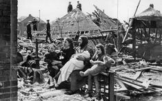 Ruined: In Liverpool, Sarah Manson sits outside her bombed home with her grandchildren after a Nazi bombing raid Women In History, World History, Liverpool Home, Liverpool History, The Blitz, Air Raid, Battle Of Britain, The Good Old Days, World War Two