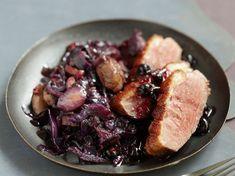 Découvrez la recette Magret de canard à l'alsacienne sur cuisineactuelle.fr.