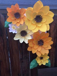DIY sunflower paper flower corners (Please Read Description) Paper Sunflowers, Paper Flowers Diy, Diy Paper, Paper Crafts, Wine Bottle Crafts, Mason Jar Crafts, Mason Jar Diy, Diy Hanging Shelves, Floating Shelves Diy