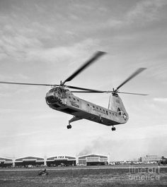 1950s Photograph - Air Force Twin-rotor Helicopter by H. Armstrong Roberts/ClassicStock