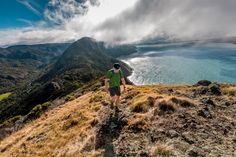 Here are 8 long walks close to Auckland, New Zealand. Auckland, New Zealand Travel Guide, Trail Running, Road Running, Travel And Leisure, Backpacker, Palm Beach, Lima, Maldives
