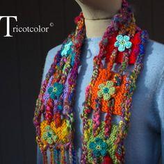 """Reservee echarpe multicolore tricot main pure laine et laine filée """" bohémienne """""""