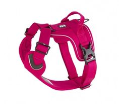 Sturdy, padded harness for dogs on the move. Easy to dress, comfortable to wear. The adjustable collar and chest strap ensure a comfortable fit and prevent the backpack from shifting when your dog mov