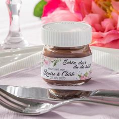 "- Gastgeschenk Hochzeit: Mini Nutella + Aufkleber ""Summer Love"" personalisier Mini Nutella glass gift with sticker Summer Love - Mini Nutella Glas, Nutella Cookies, Diy Wedding Bouquet, Wedding Favors, Party Favors, Lars Bender, Catering Display, Love Stickers, Quinceanera"