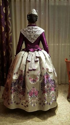 Designer Clothes, Shoes & Bags for Women Old Dresses, Vintage Dresses, Rococo Fashion, Vintage Fashion, Beautiful Outfits, Cool Outfits, 18th Century Dress, Folk Costume, Historical Clothing