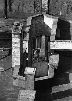 Le foto di Andre Kertesz dalla sua finestra - The New York Times Andre Kertesz, Washington Square Park, Piet Mondrian, Black N White Images, Black White, Street Photography, Art Photography, Paris By Night, Henri Cartier Bresson