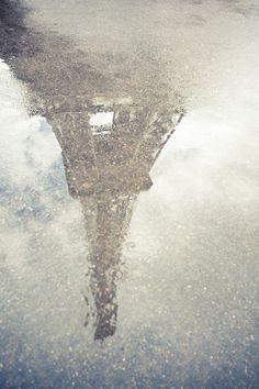 Reflecting Paris by Oscar Bjarnason