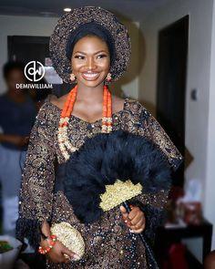 Gold x Black #teamb2k17 Bride @abiodun_ogunnaike Makeup @demiwilliam Asooke By @bimmms24 Jewellery By @tavinbeads Planner @bisolatrendybee #BellaNaijaWeddings