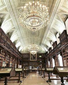 Biblioteca Nazionale Braidense, Milano Photo by @thearchitect____ #beniculturali30 #culturalheritage30 #terrerare #library…