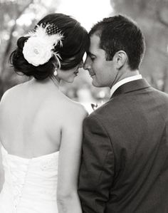 Love this pose for a photo of the bride & groom.