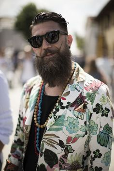 'Botanical' is one of our favourite home décor trends this spring. Taking inspiration from the colours and rugged textures found in nature and our environment; saturated sea blues and leafy greens are paired with earthy accents Moustaches, Mens Shoes With Shorts, Mdv Style, Street Style Magazine, Beard Game, Rugged Men, Vogue, Best Mens Fashion, Pitta