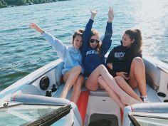 A day on the boat Insta: elliethumann Twitter: elliethumann