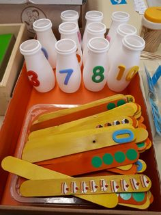 Most up-to-date Snap Shots preschool curriculum math Suggestions Out of discovering exactly what seems words produce in order to checking to toddler concerns discovery. Maths Eyfs, Math Classroom, Classroom Activities, Learning Activities, Kids Learning, Numeracy, Montessori Math, Preschool Curriculum, Kindergarten Math