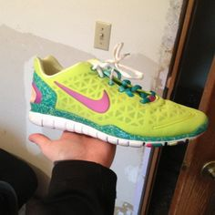 nike free runs , nike rosh runs , nike air max and so on .You want more discount, are all here . Cheap Sneakers, Nike Shoes Cheap, Nike Free Shoes, Sneakers Nike, Cheap Nike, Nike Free Runs For Women, Nike Free 3, Women Nike, Nike Fashion