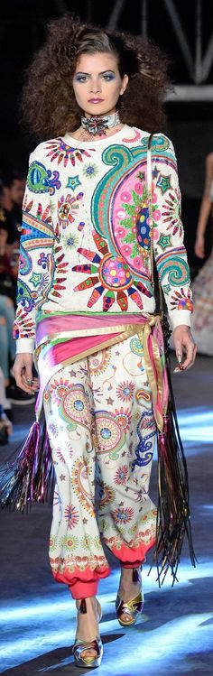 I actually like those pants (could do without the sweater,  though) MANISH ARORA SPRING-SUMMER 2016 READY-TO-WEAR