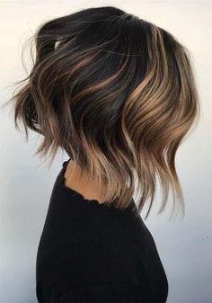 Incredible ideas of short textured bob haircuts and hairstyles for women and girls to wear in 2019 for more trendy and cute hair looks. Asymmetrical Bob Haircuts, Short Bob Haircuts, Layered Haircuts, Short Hair With Layers, Short Hair Cuts, Pixie Cuts, Short Textured Bob, Messy Bob Hairstyles, Fashion Hairstyles