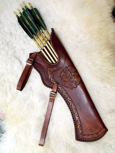 Handmade leather quiver Get Recurve Bows at https://www.etsy.com/shop/ArcherySky