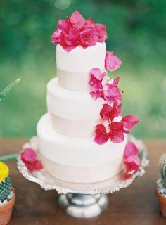 Clean wedding cake ~ Melanie Gabrielle Photography