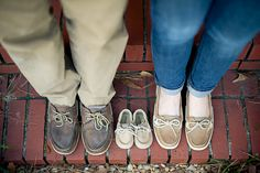 Adorable baby announcement idea. (Photo by laura rowe photography)