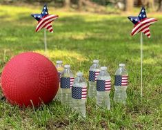 Four Family-Friendly 4th of July Games – Distinctivs 4th Of July Games, Fourth Of July Food, 4th Of July Party, July 4th, Independence Day Game, Bingo Games For Kids, Diy Tassel Garland, Usa Party, Happy July