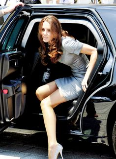 1000 images about kate middleton getting out of vehicles on pinterest kate middleton duchess. Black Bedroom Furniture Sets. Home Design Ideas