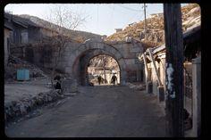 Seoul, Minor Gate, Dec 1966 | Photo by Stephen Dreher.