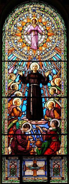 Santo António #StainedGlassChurch