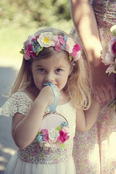 adorable flower girl alternative- if venue doesn't approve petals