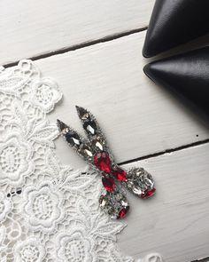 Embroidery Jewelry Shape 25 Ideas For 2019 Bead Embroidery Jewelry, Beaded Jewelry Patterns, Beaded Embroidery, Brooches Handmade, Handmade Bracelets, Diy Jewelry, Handmade Jewelry, Dragon Bracelet, Amber Bracelet